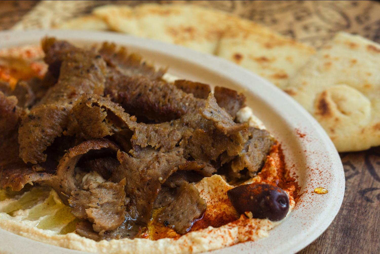 Hummus Gyro Plate with Pita