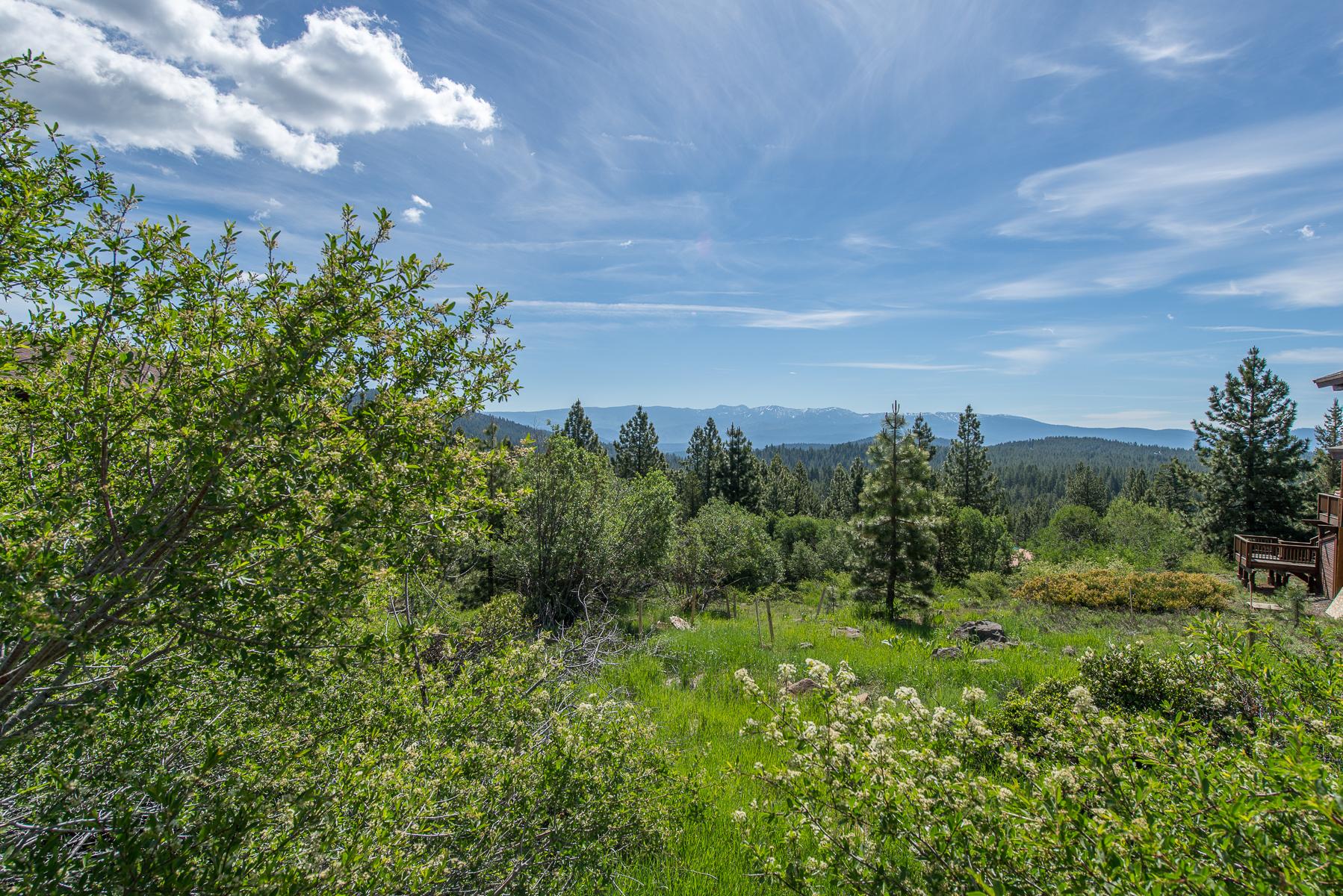 Breathtaking Views on Tahoe Donner Lot