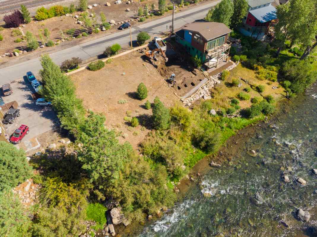 Build Dream Home on Truckee River