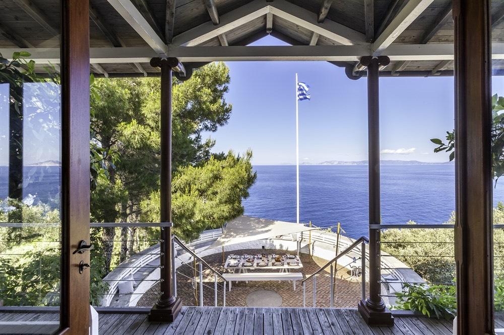 The Thinking Traveller, Sporades Island
