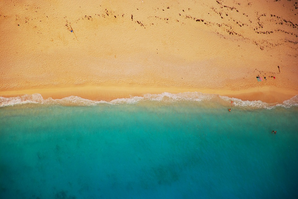 beach-832346_960_720.jpg