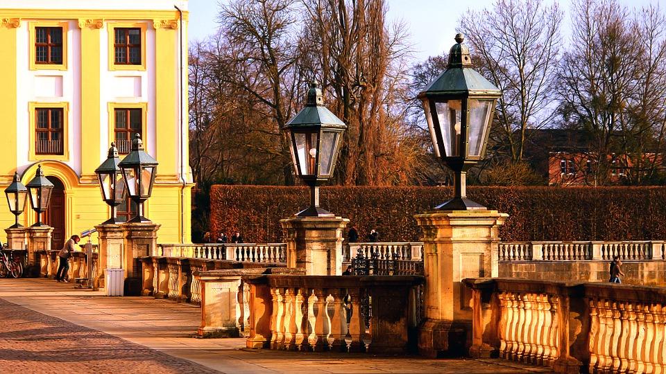lamps-648022_960_720.jpg