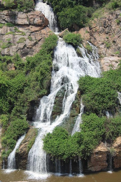 water-falls-965126_960_720.jpg