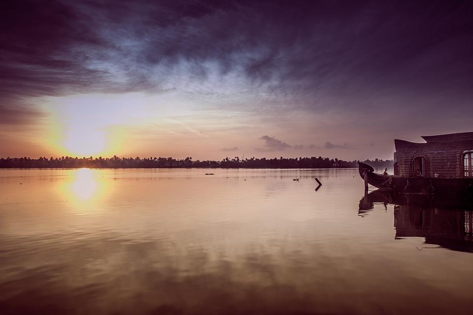 sunrise-1139562_960_720.jpg