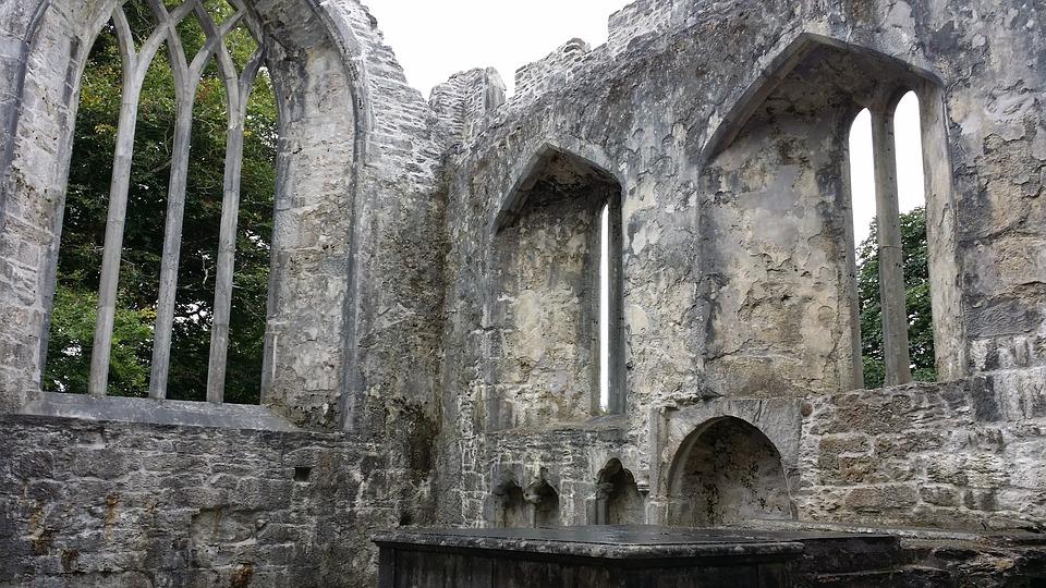 muckross-abbey-1683414_960_720.jpg