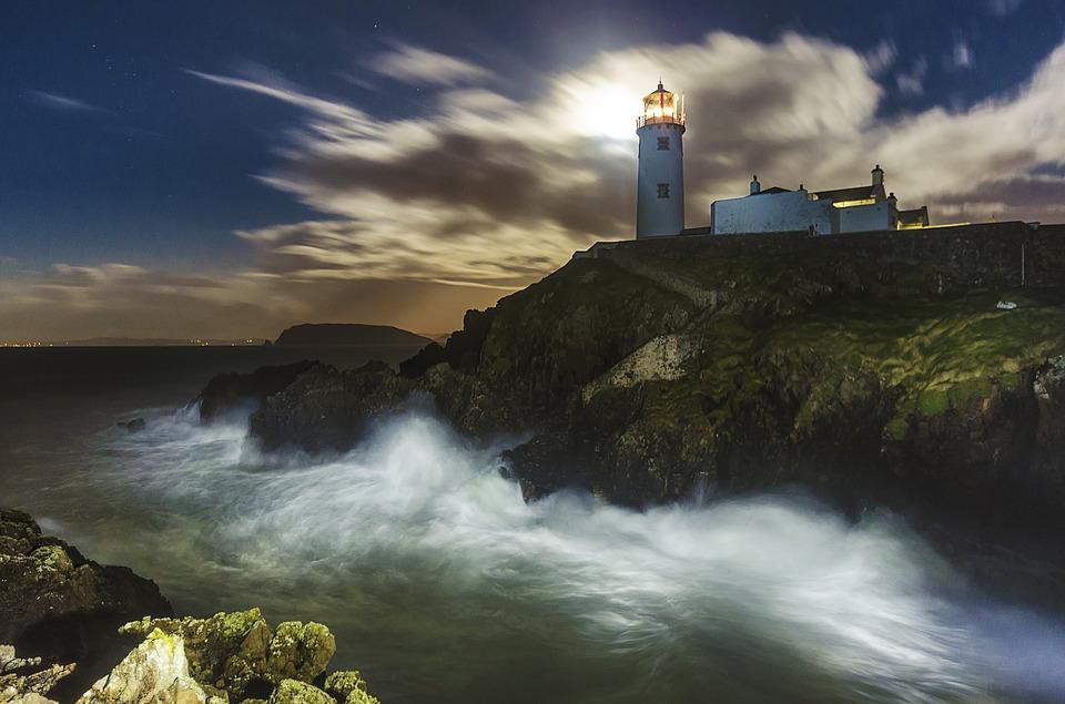 lighthouse-1308348_960_720.jpg
