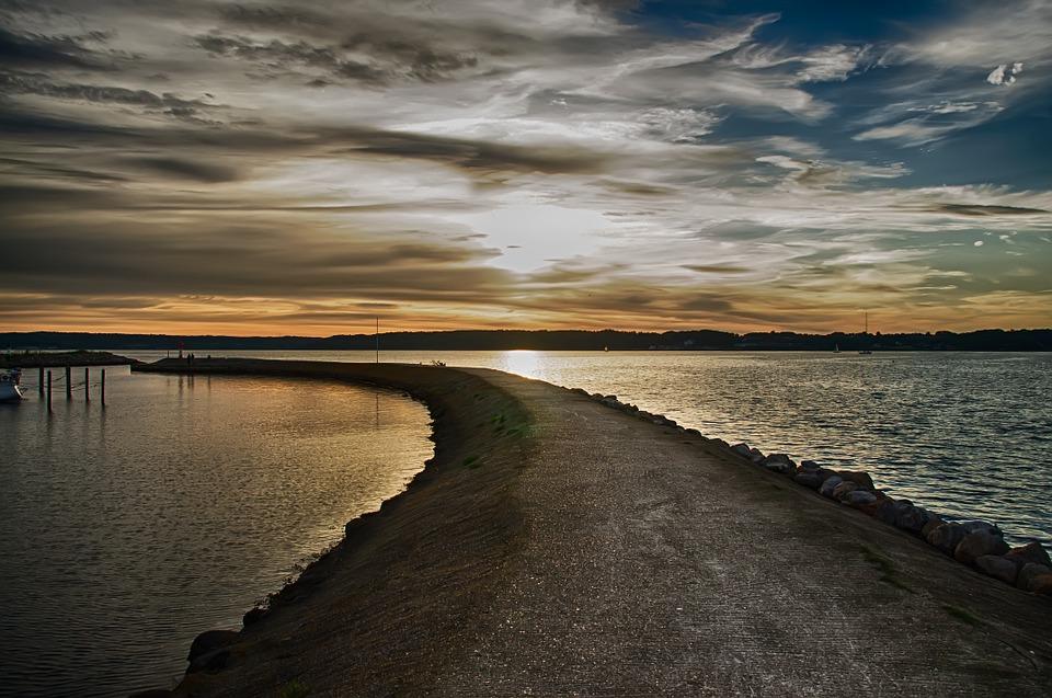 fjord-386467_960_720.jpg