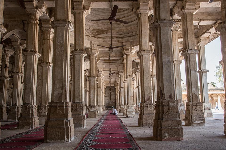 rani-sipris-mosque-tomb-1514768_960_720.jpg