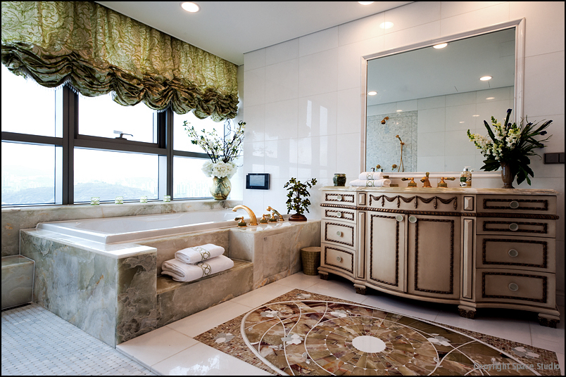 Bathroom_17.JPG