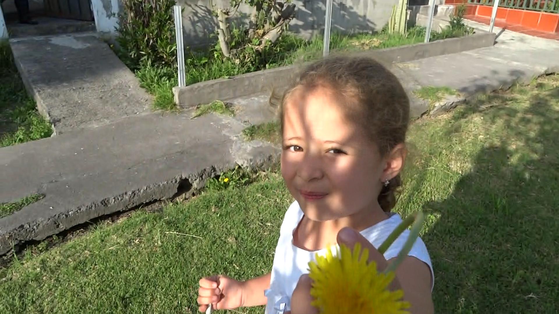 Mi sobrina Ana Paula /  My niece Ana Paula