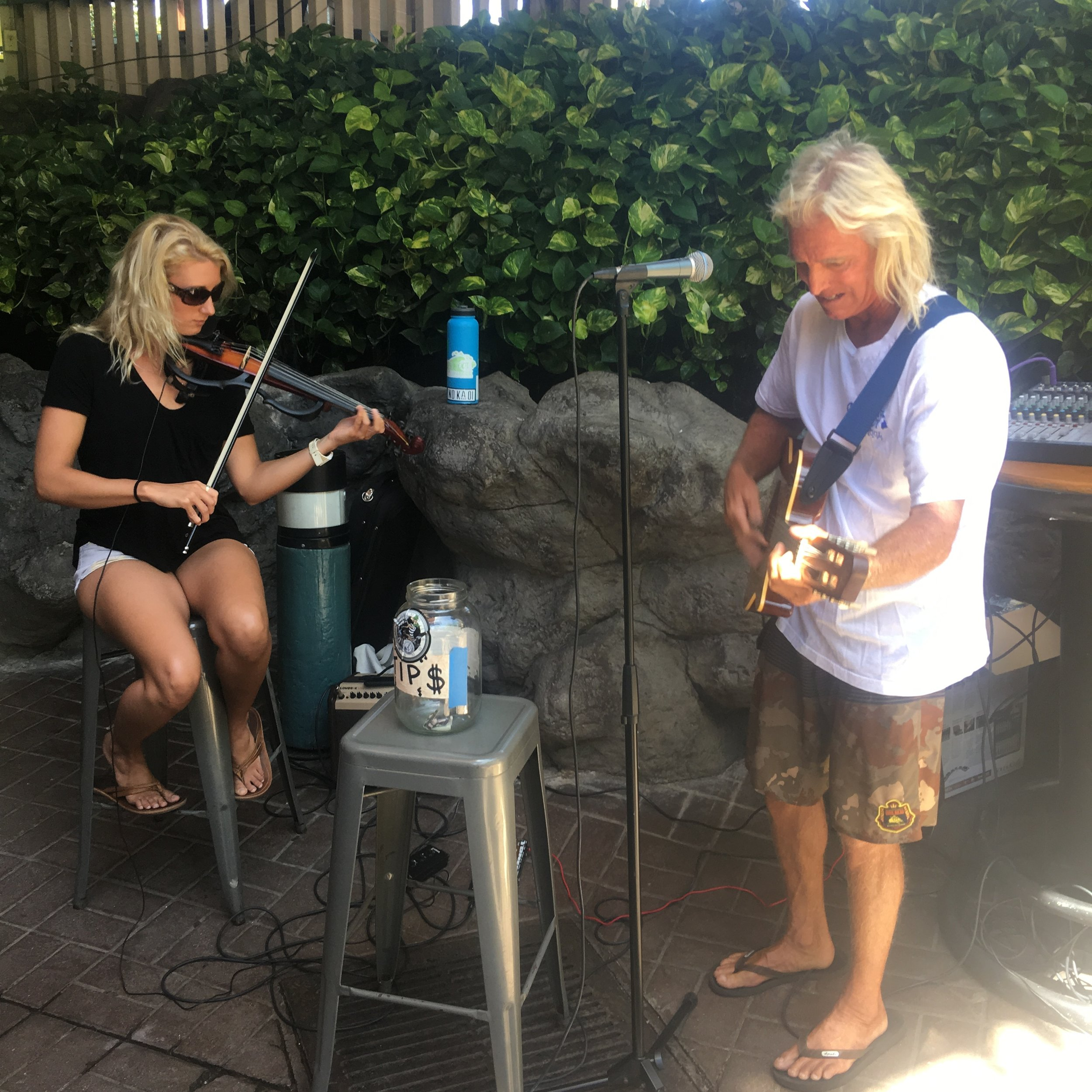 Kendell & Armadillo perform every Saturday from 10:30am-12:30pm