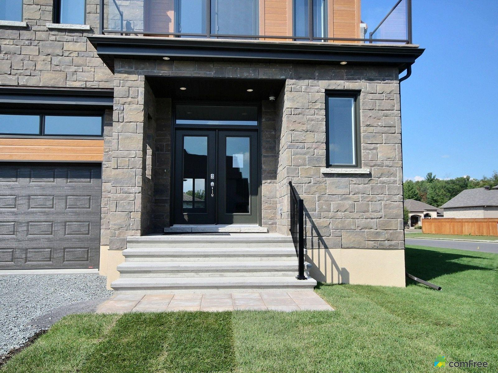 entrance-new-home-for-sale-rockland-ontario-1600-6609326.jpg