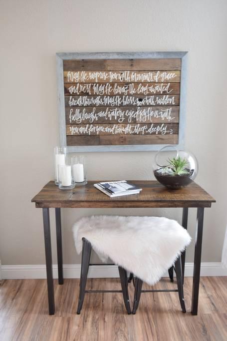 desk wood fur airbnb.jpg