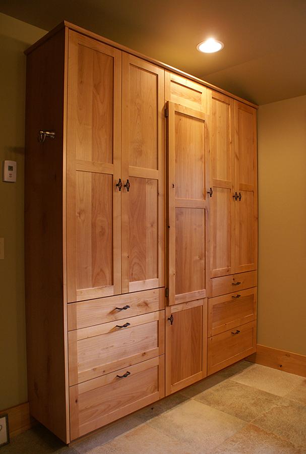 Bedroom wardrobe.
