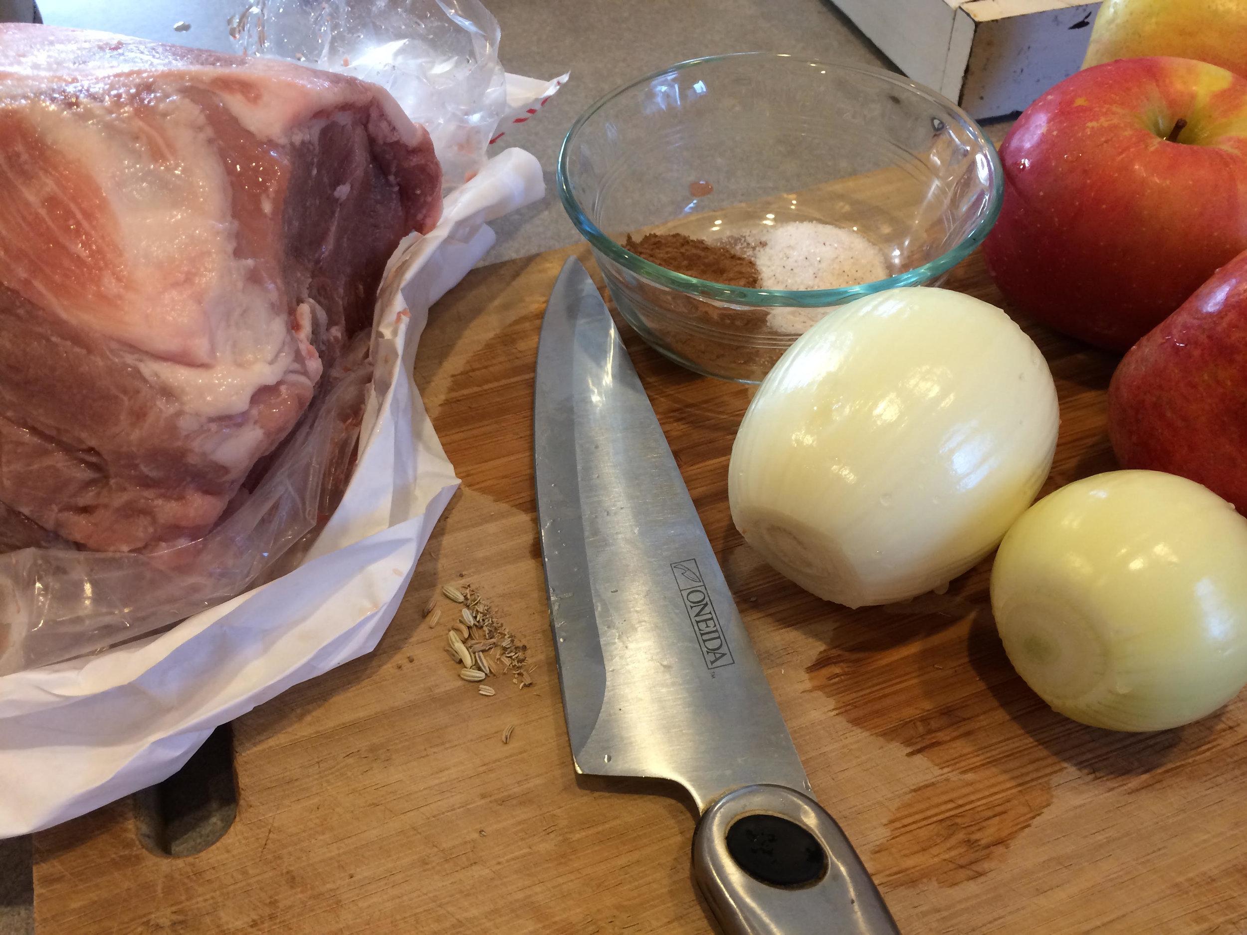 crock pot apples and onions pork 1.jpg