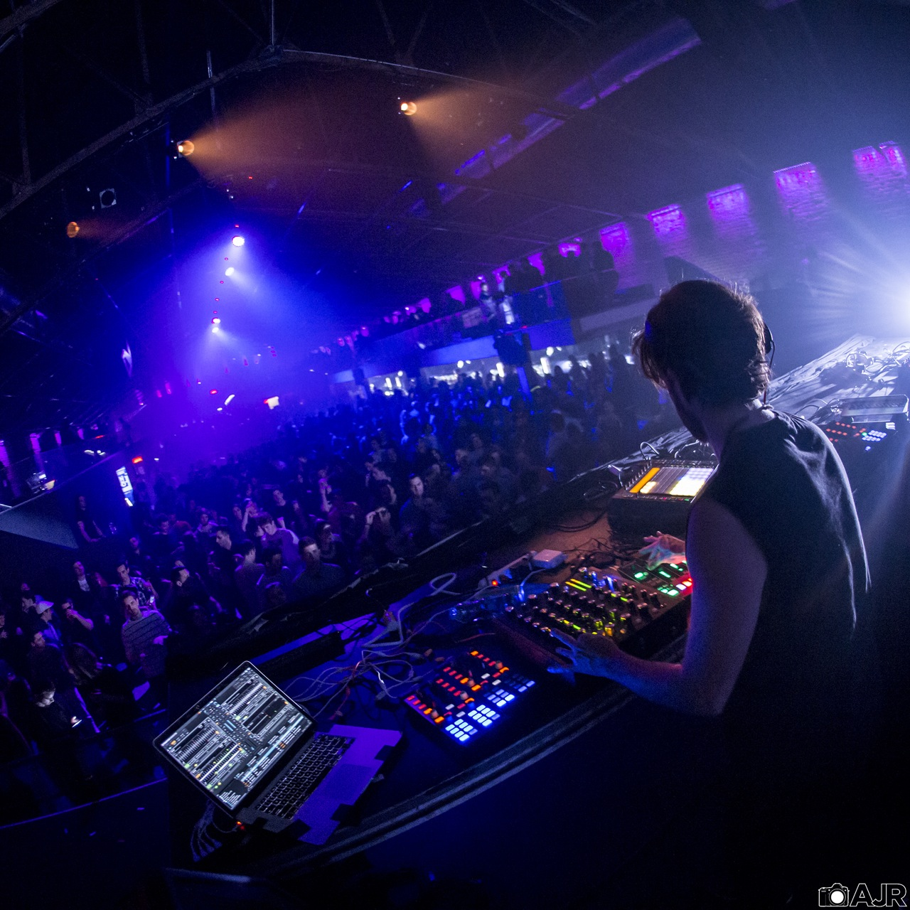 """DJ Ean Golden -   Professional Traktor DJ -   """"I only play a few sets per month and find myself spending 6 hours prepping for a single 2 hour set. Kado has cut that time down by at least half and made me excited to play out more."""""""