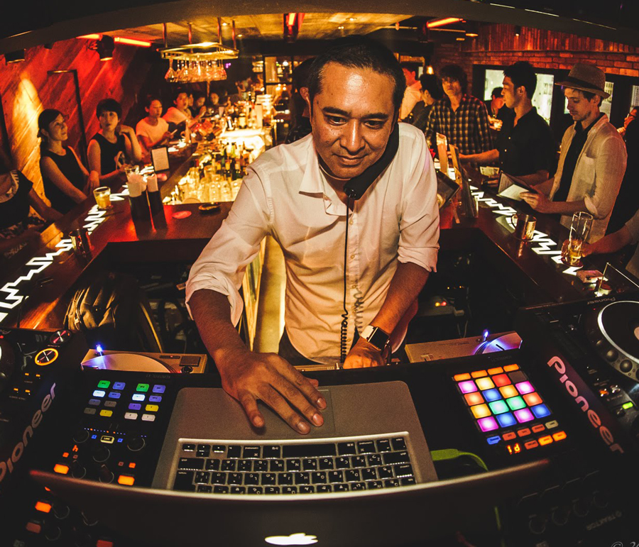 """DJ MALIK -   Part time DJ Plays a few times month  -   """"It works great! Excellent piece of software. I love having a clean way to get off the Beatport Top 100 lists."""""""