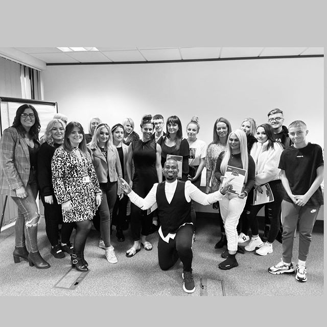 I deem it a great privilege to be able to share my knowledge and experience with the next generation of aspiring barbers💈Apprenticeships with @ lnterserve.  Foss Academy working in partnership with Interserve providing education and inspiration for young barbering apprentice.  Foster Care Your Career www.thefossacademy.com