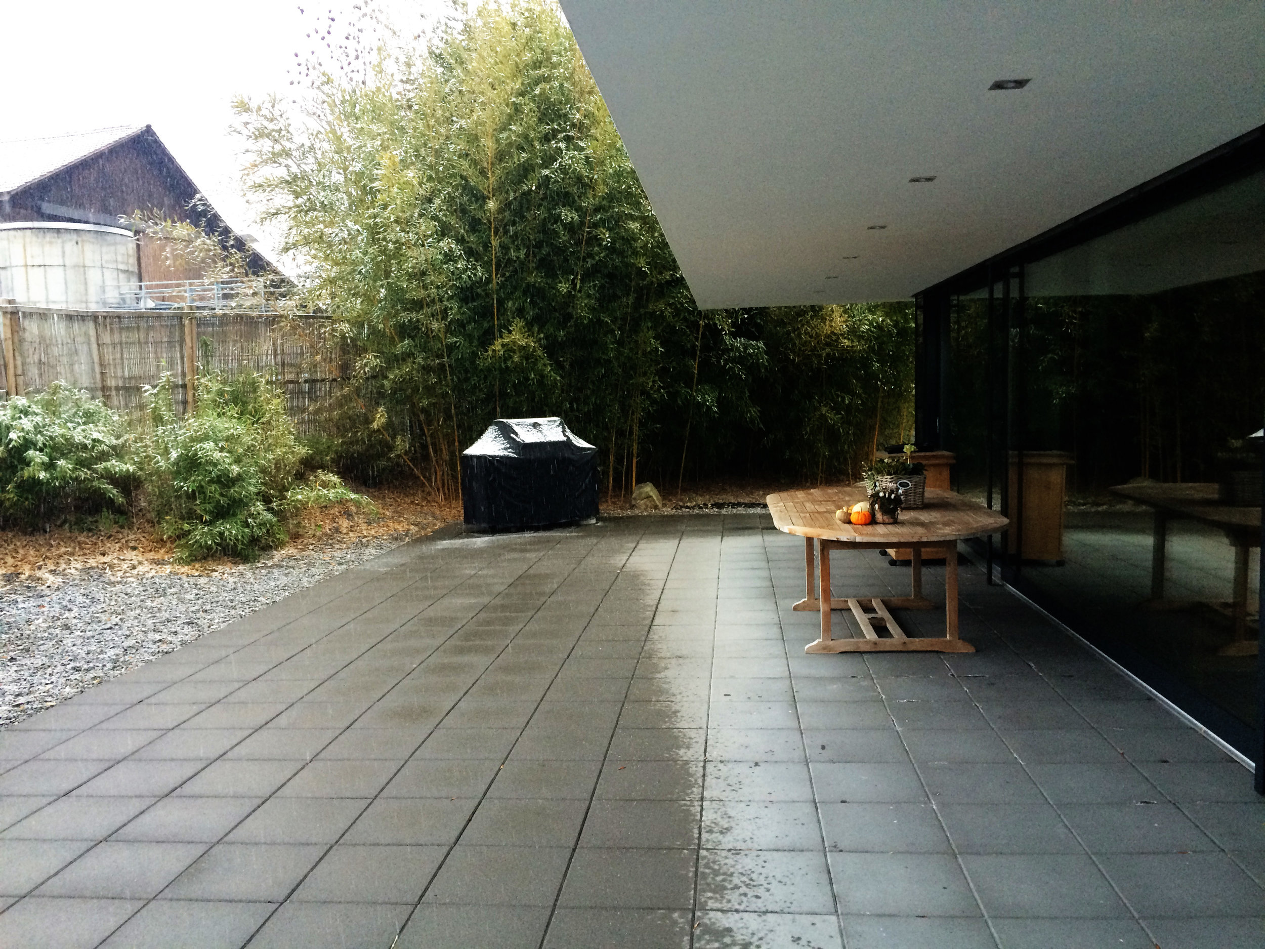 outdoor dining/kitchen area - before