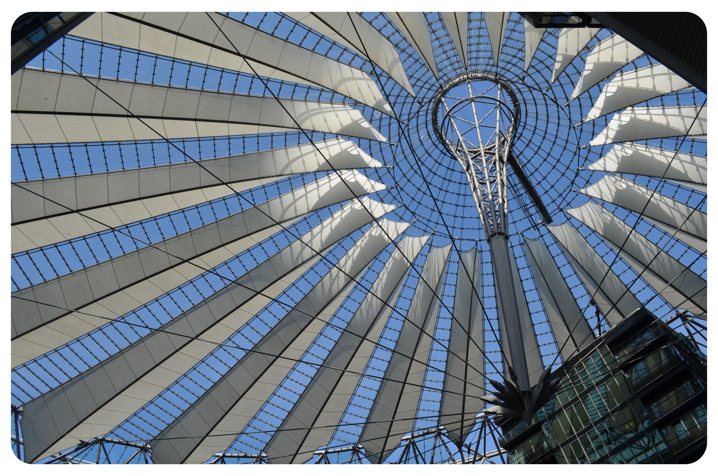 Modern architecture, Sony Center