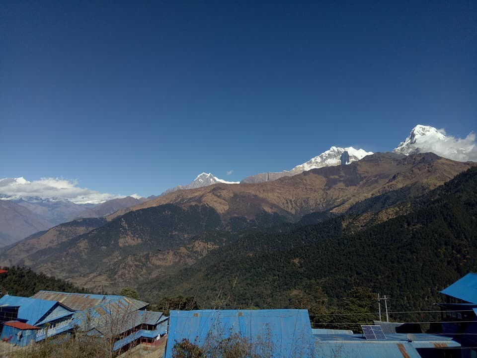 The village of Nawa. It can be seen on the way to Manang from Pisang.