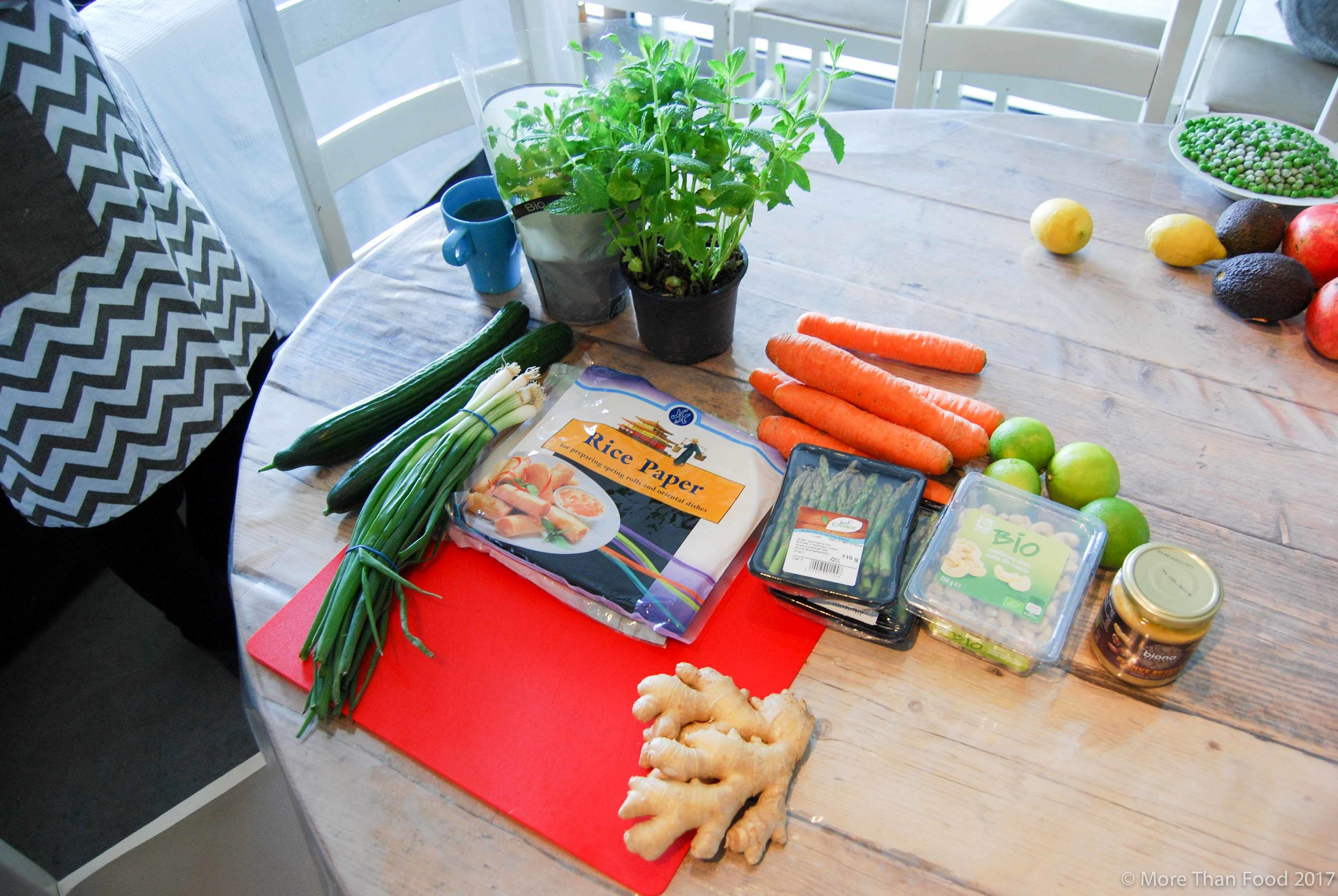 Workshop gezonde lunchboxen: lenterolletjes met notendip