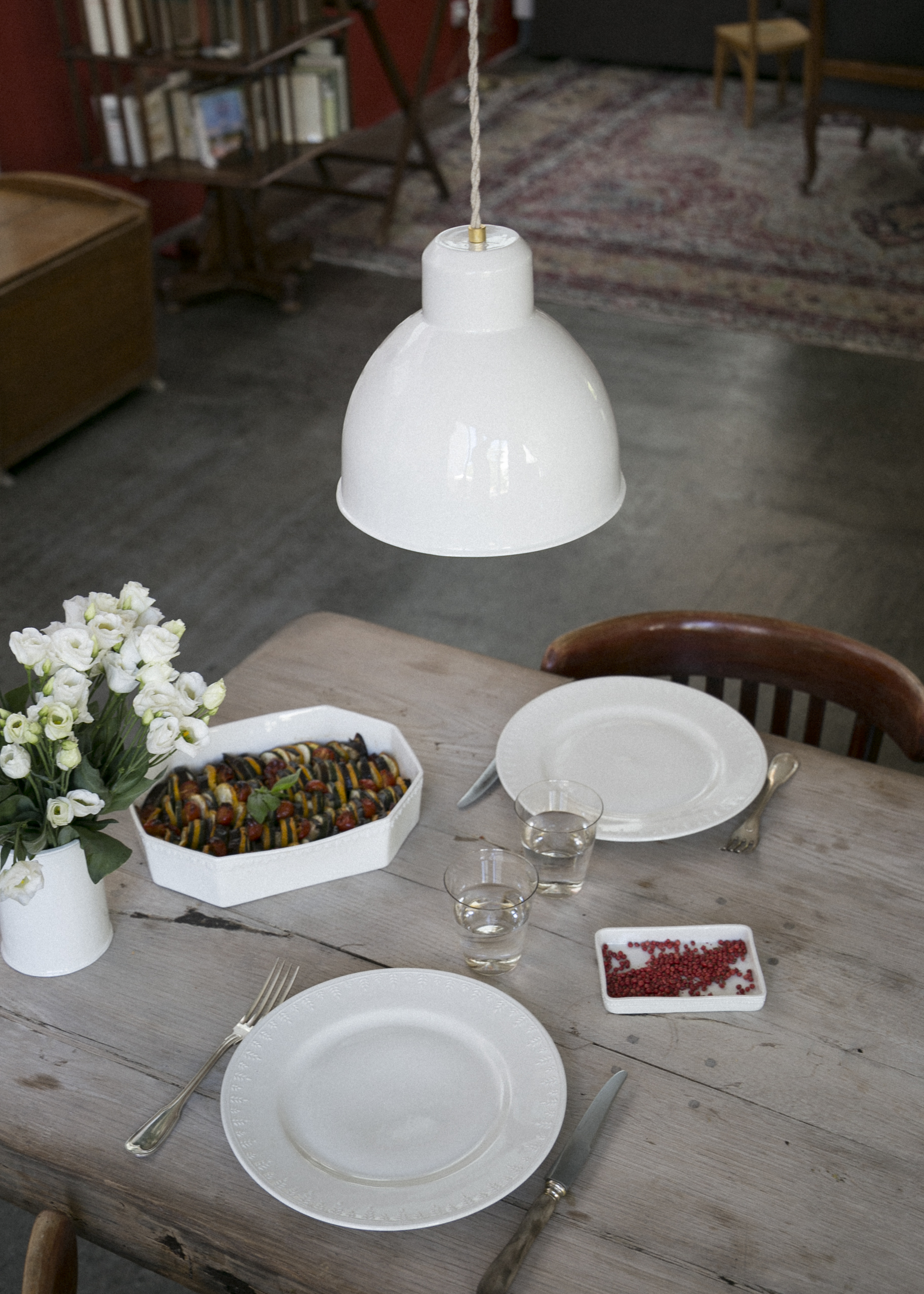 paulette-xl-emaillee-table.jpg