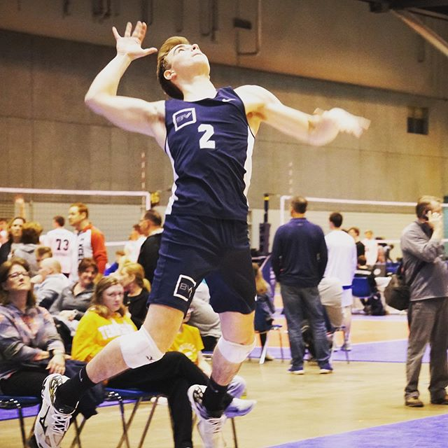 ONLY ✌️ DAYS UNTIL BOYS TRYOUTS! 🔗 in bio to register! #makewaves #breakervolleyball