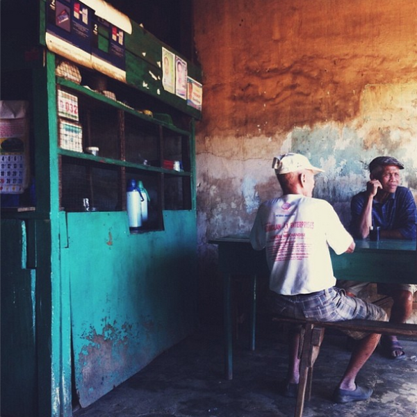 Reyes Cafe (Candoni, Negros)