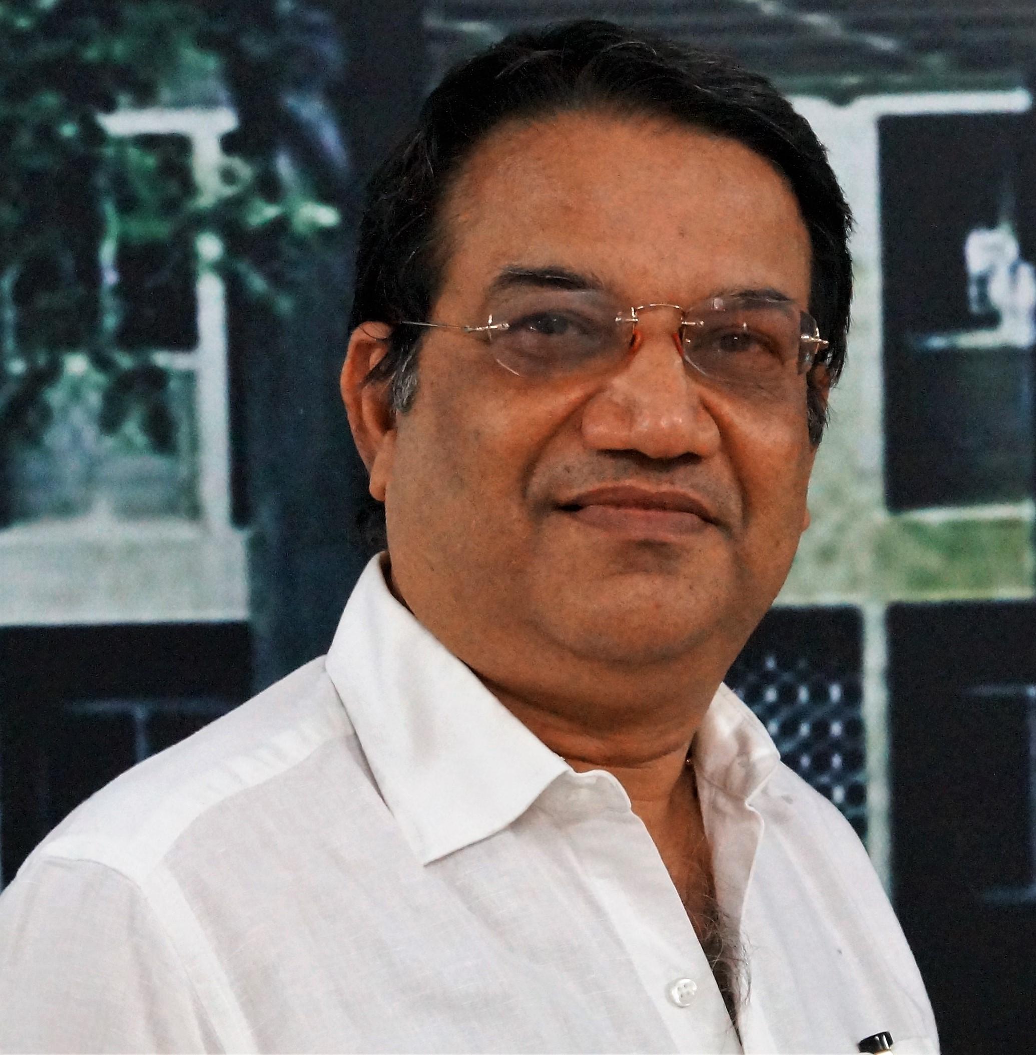 Dr. R Sujeer