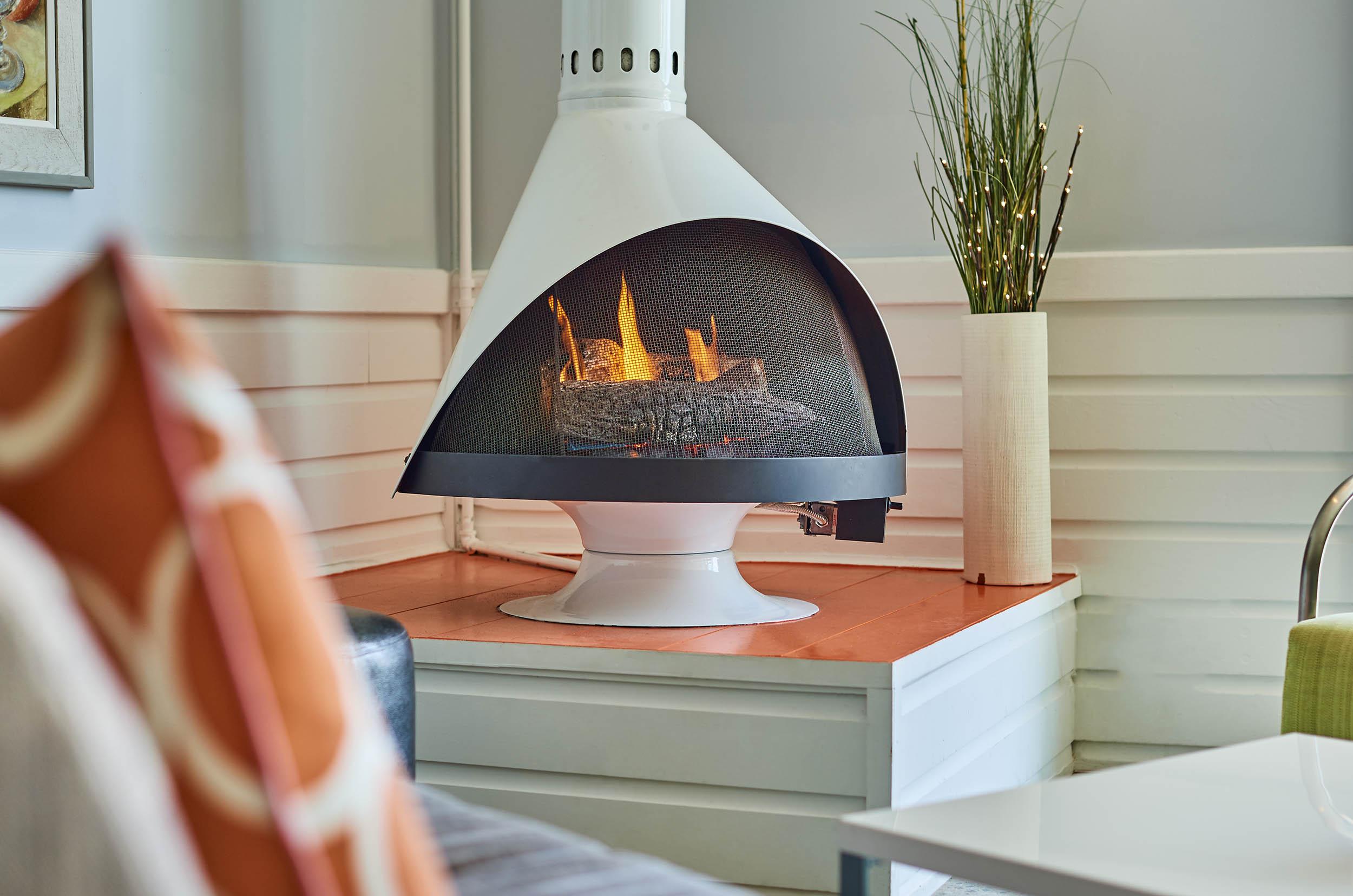 HH_detail_fireplace_160603_11144.jpg