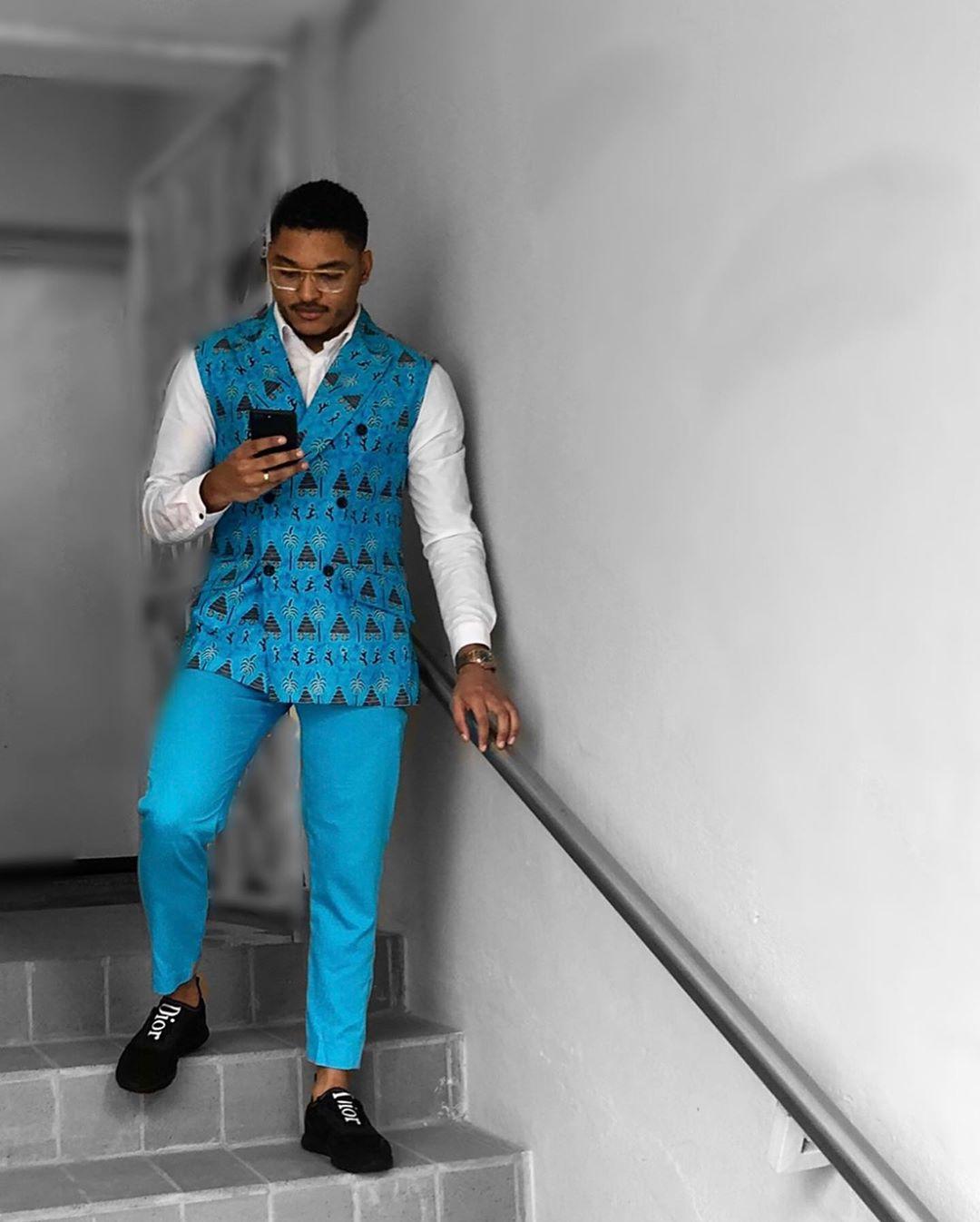 Tiago Rodrigues - Tiago deixou uma nota muito importante! O padrão africano na alfaiataria, que ainda deixa alguma insegurança para alguns homens.Muito bem Tiago!