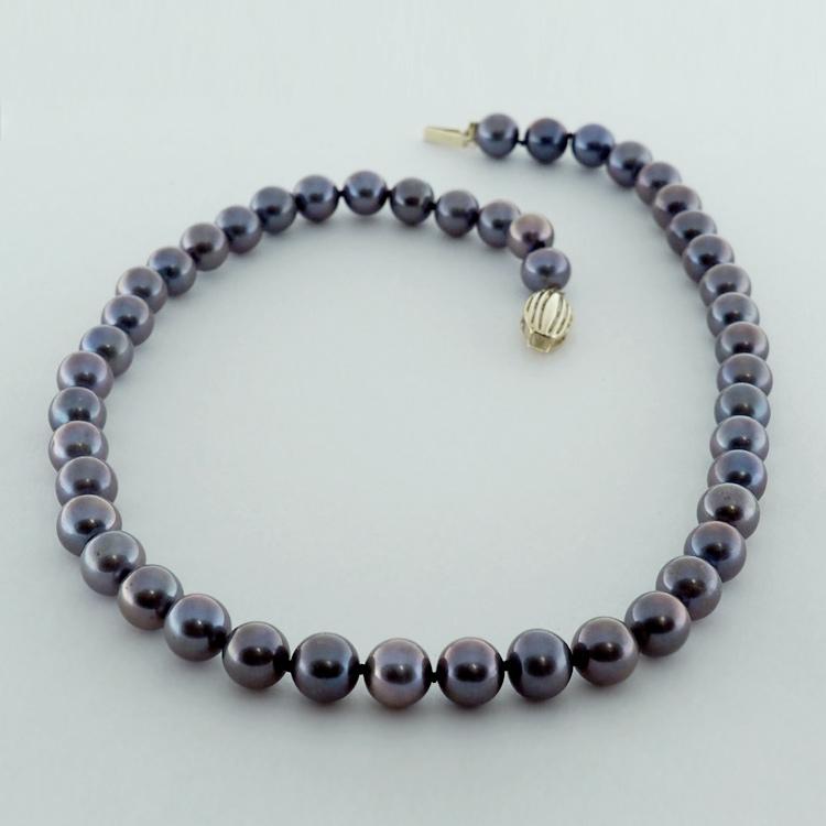 <b>Dark as Night</b><br>$845<Br>Dark Bluish-Grey <Br>Fresh Water Pearls<Br>9-9.5mm