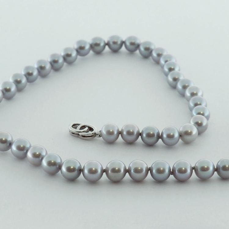 <b>Grey Shimmer</b><br>reg.RT: $1,300/Special: $ 1,000<br> Round Grey<Br> Fresh Water Pearls<Br>8-8.5mm