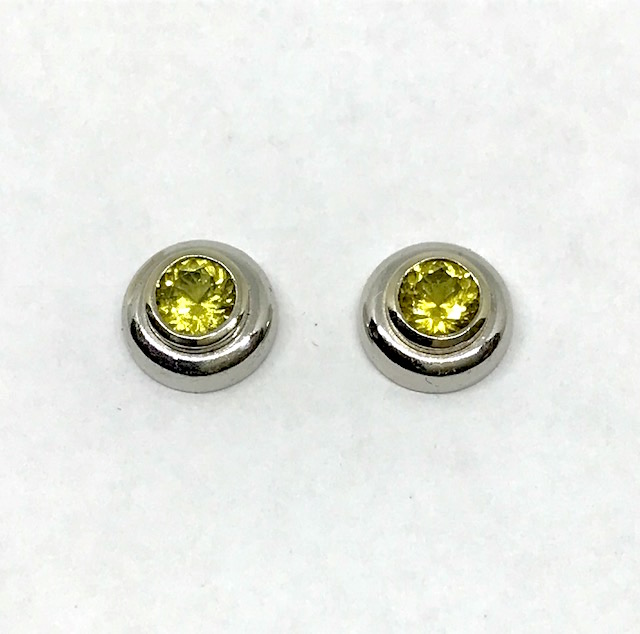 <b>Yellow Sapphires</b><Br>$718<br>14K White Gold,<Br> TW: 0.605 ct