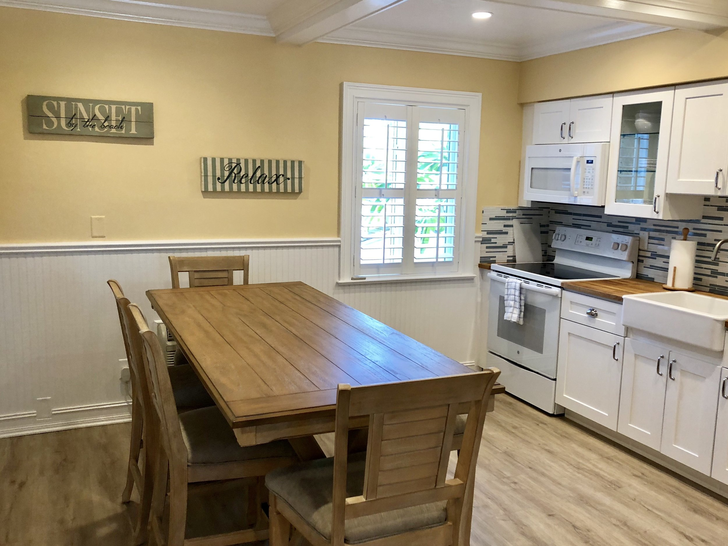 kitchen with table.jpeg