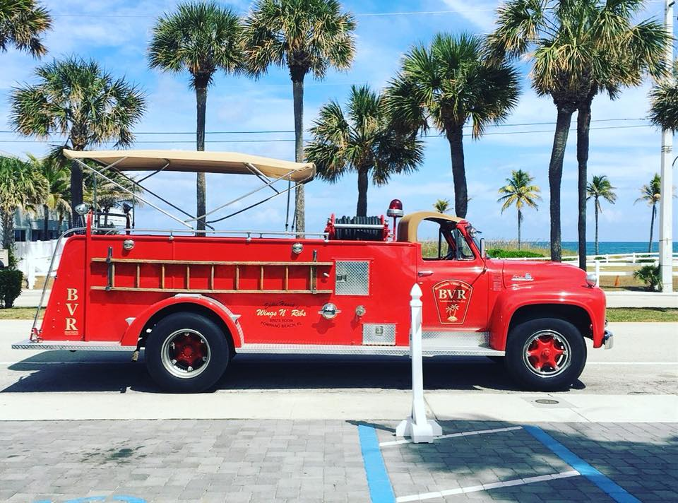 firetruck on el mar.jpg