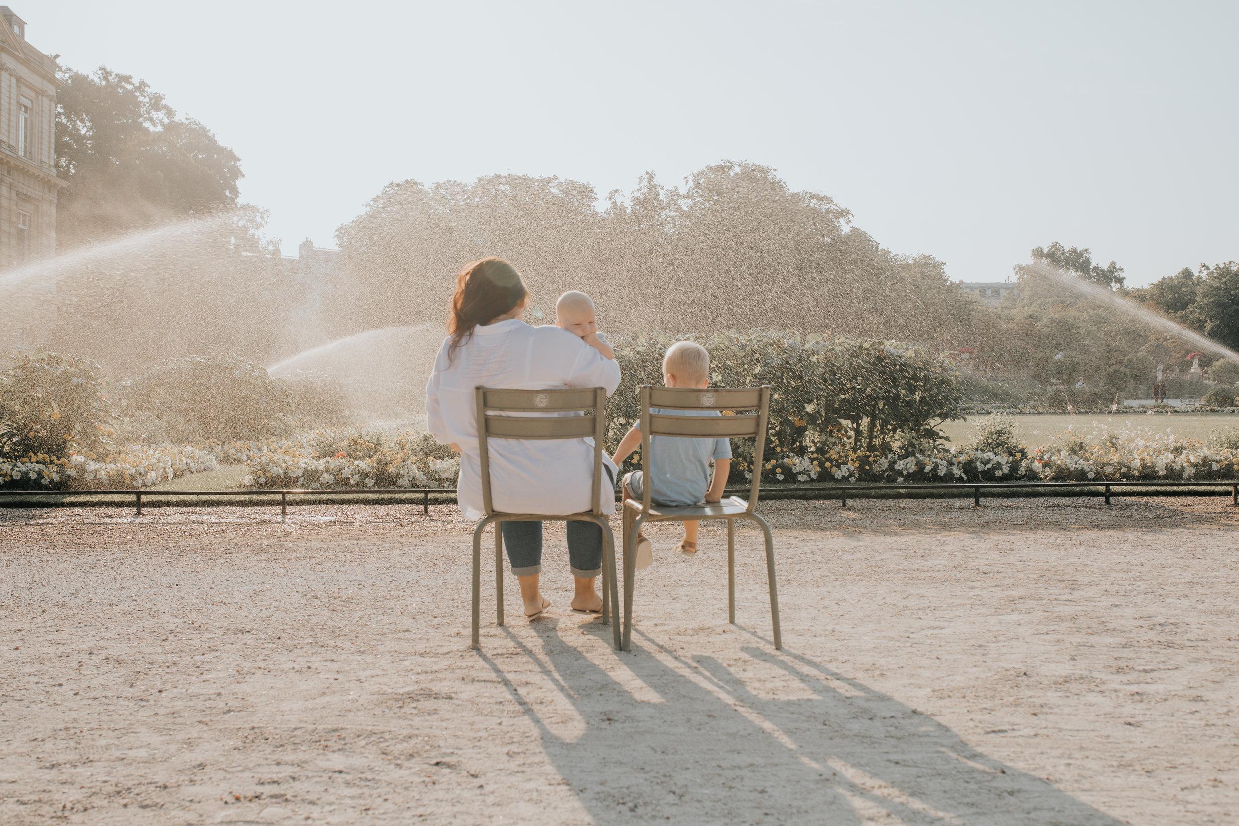 Amy-Noah-Theo-kelechianna-jardins-luxembourg-paris-family-21.jpg