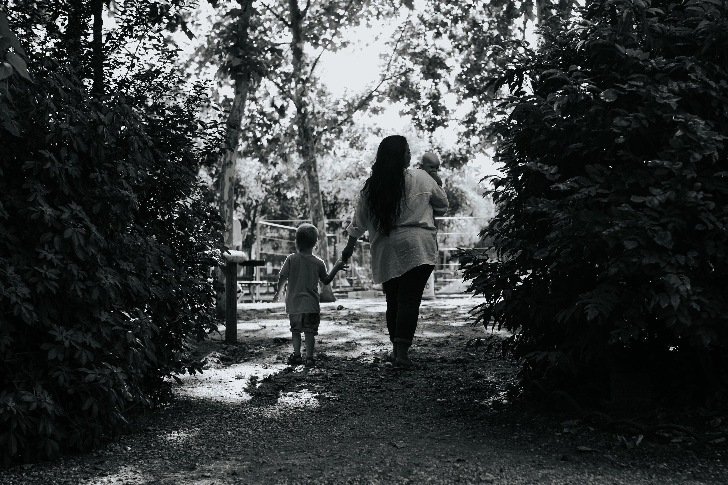Amy-Noah-Theo-kelechianna-jardins-luxembourg-paris-family-104.jpg
