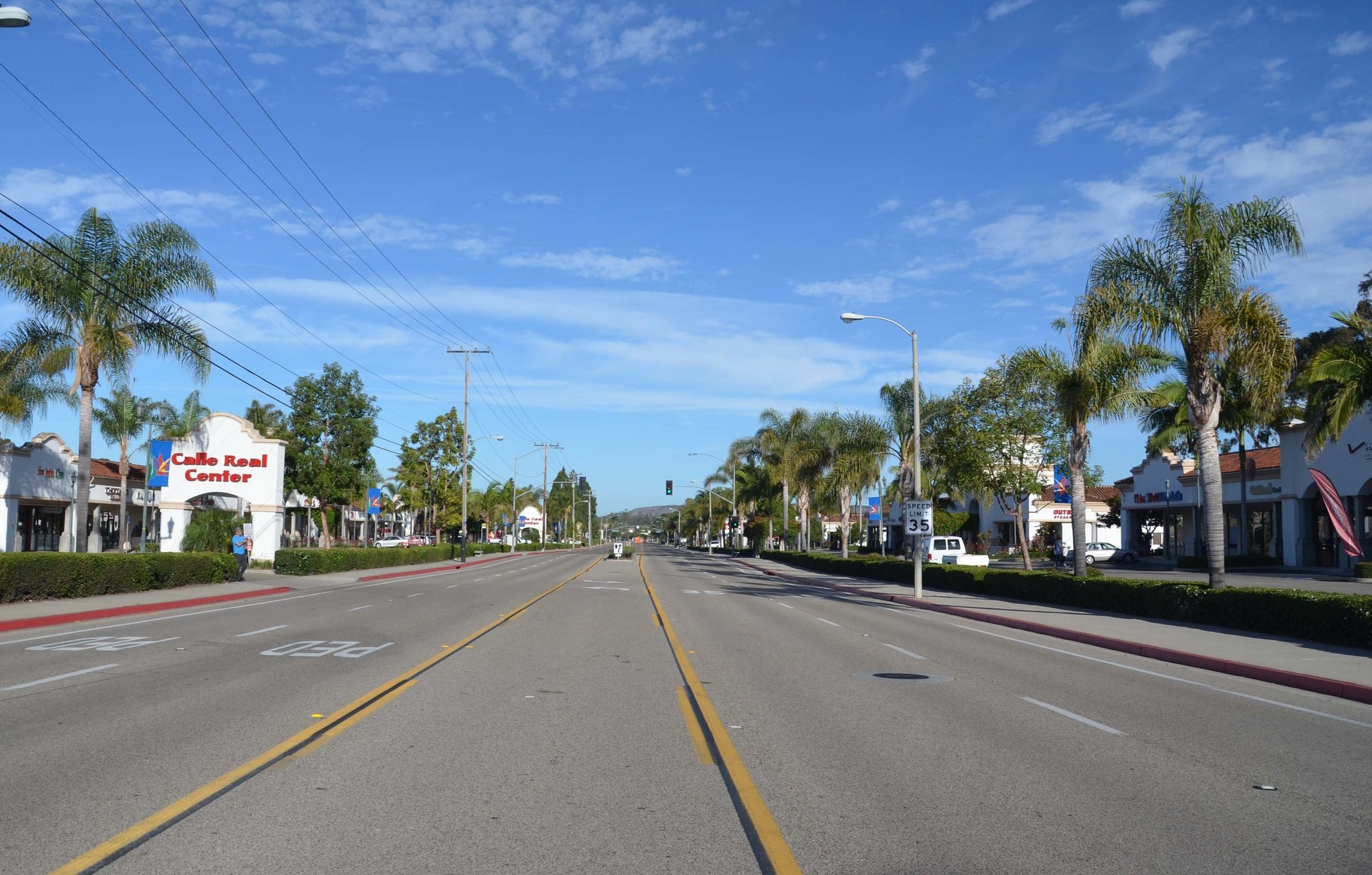 The-business-district-in-Goleta-CA.jpg