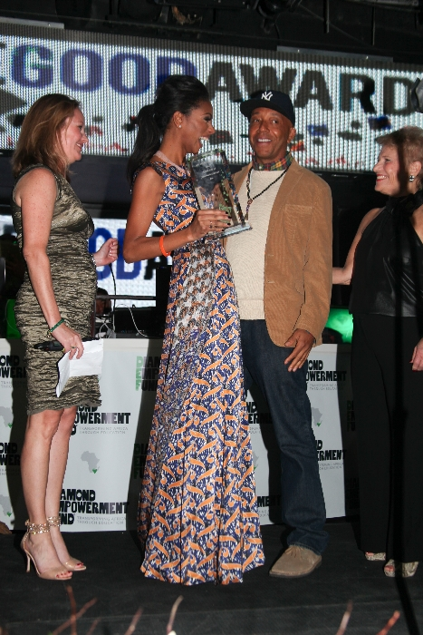 On accepting the award, Noëlla dedicated her achievement to the people of Kalebuka. Pictured here with Russell Simmons, music mogul/entrepreneur and co-founder of the Diamond Empowerment Fund.