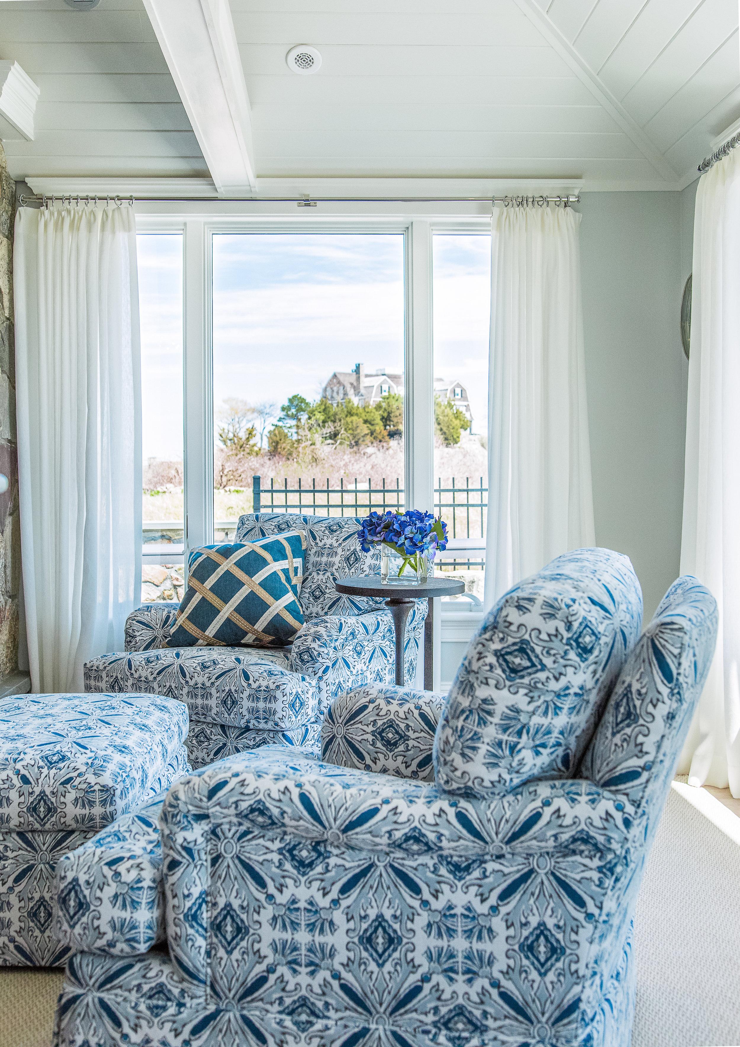 Aqua Living Room.jpg