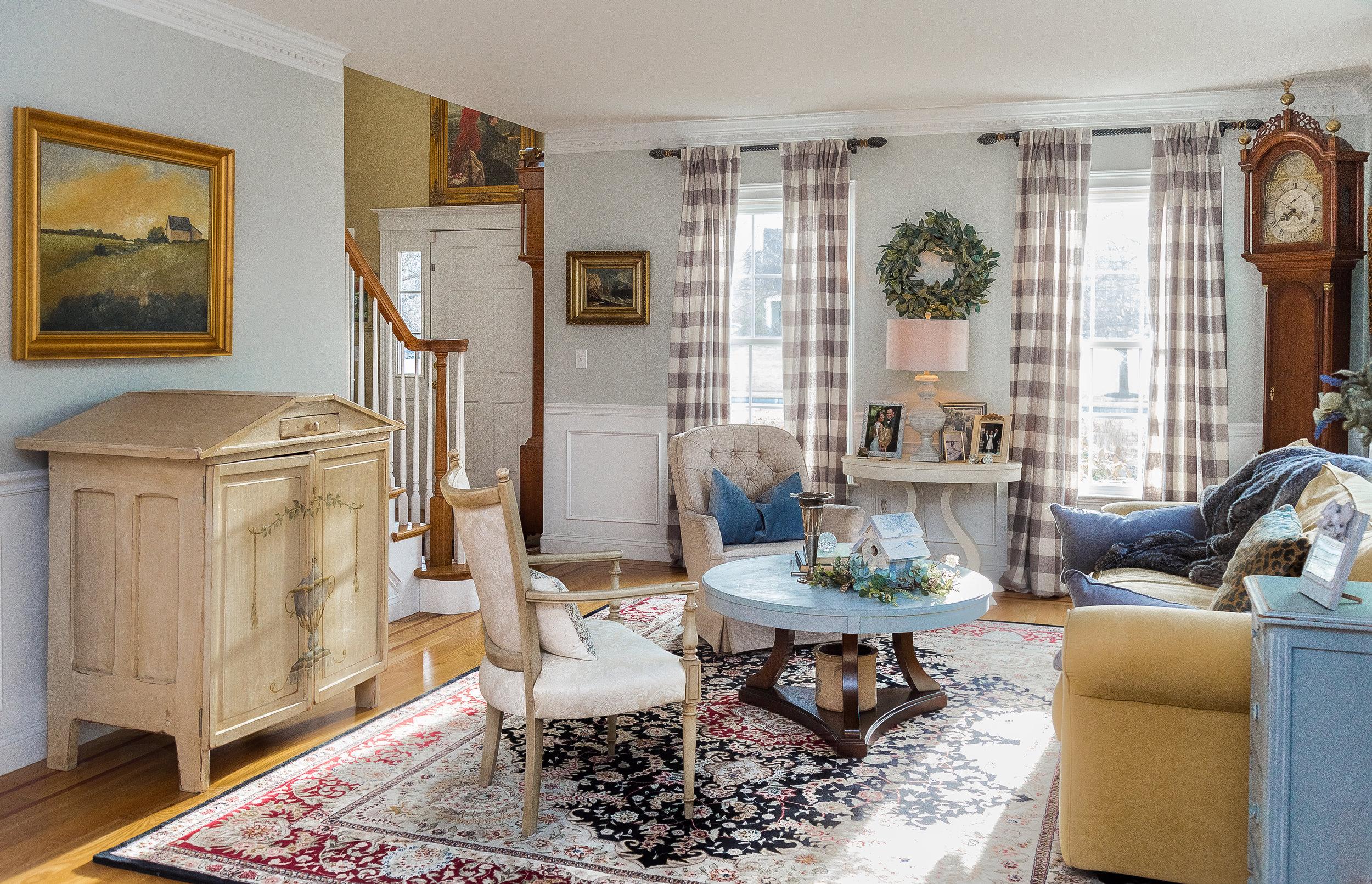 Holiver Living Room.jpg