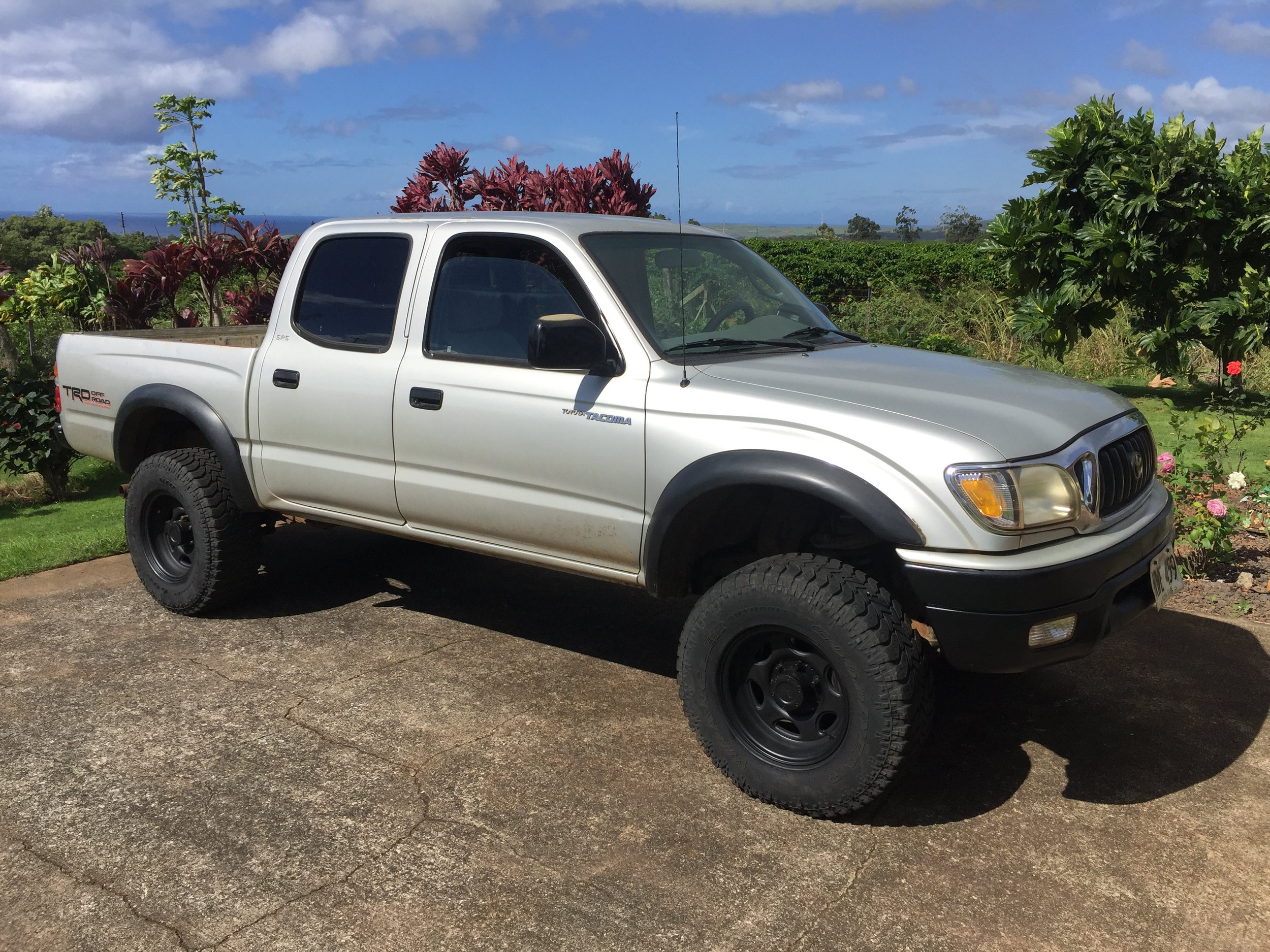 kauai overlander-toyota tacoma-camper-hawaii-4wd-roof top tent-tepui 3