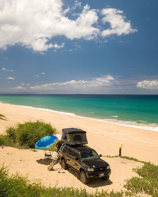 Ocean view, no problem. Black Boar sporting her new @tepuitents and Lift by @killa_bonilla #kauaioverlander #smallislandbigadventures