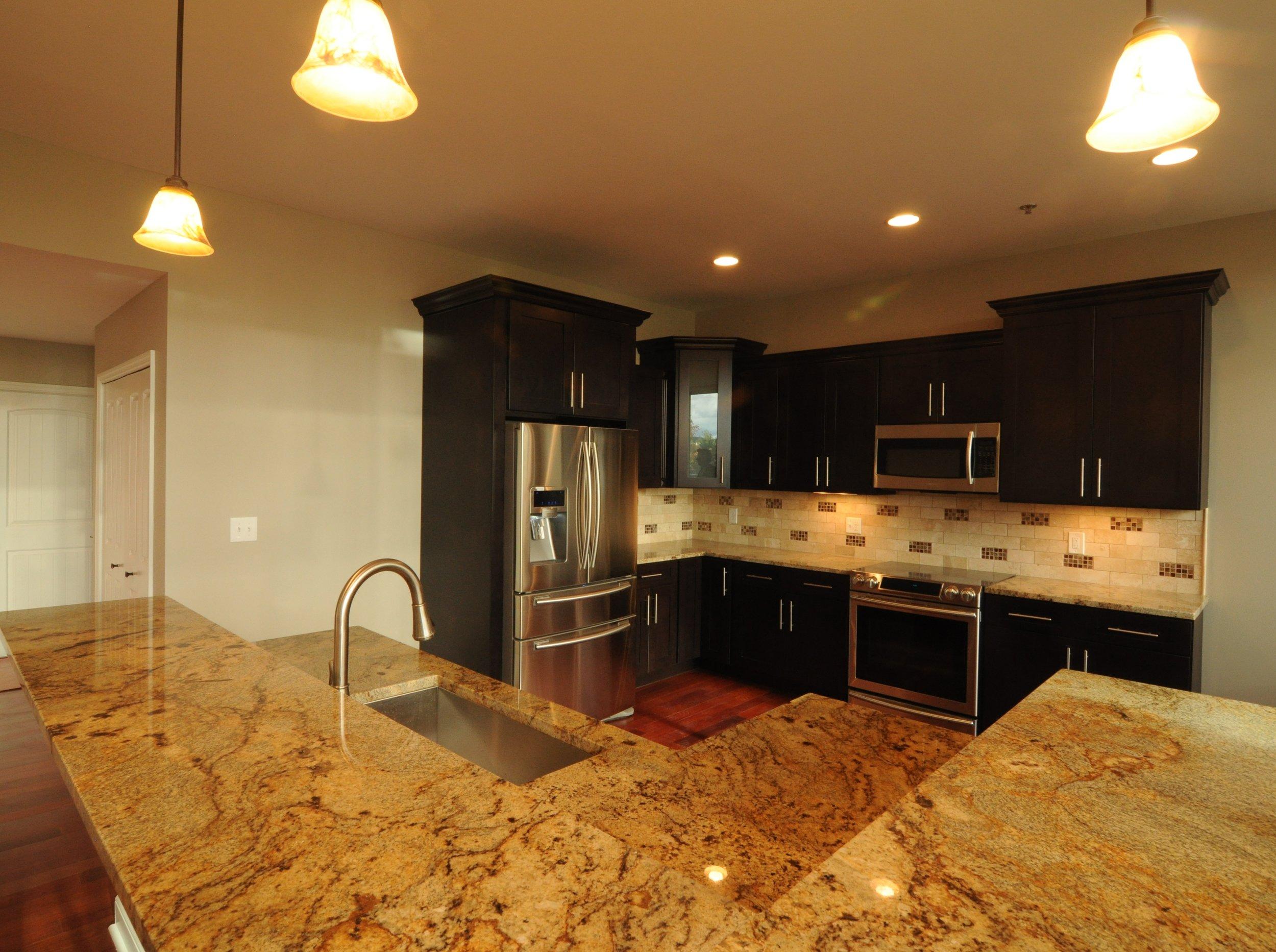 200 Kitchen.jpg