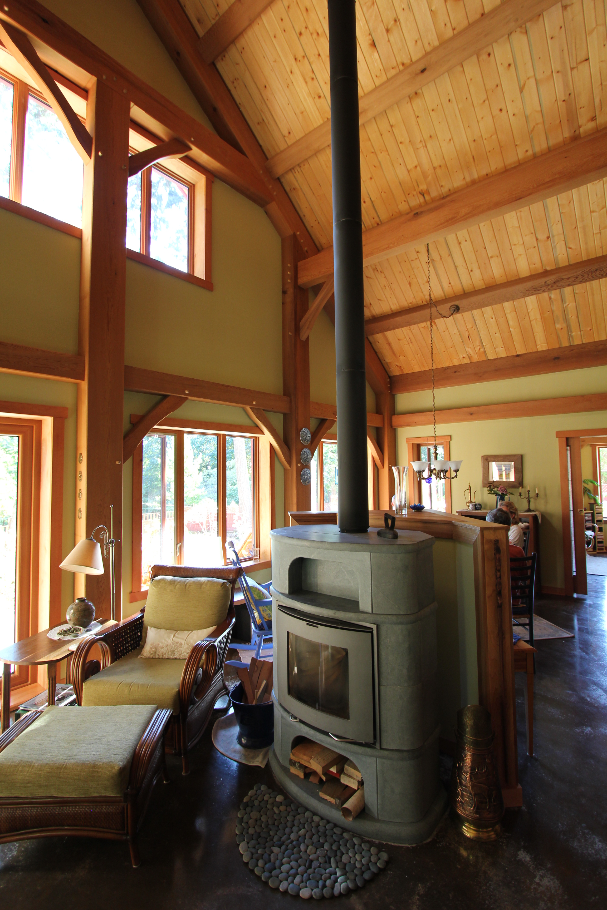 timber frame greatroom.JPG