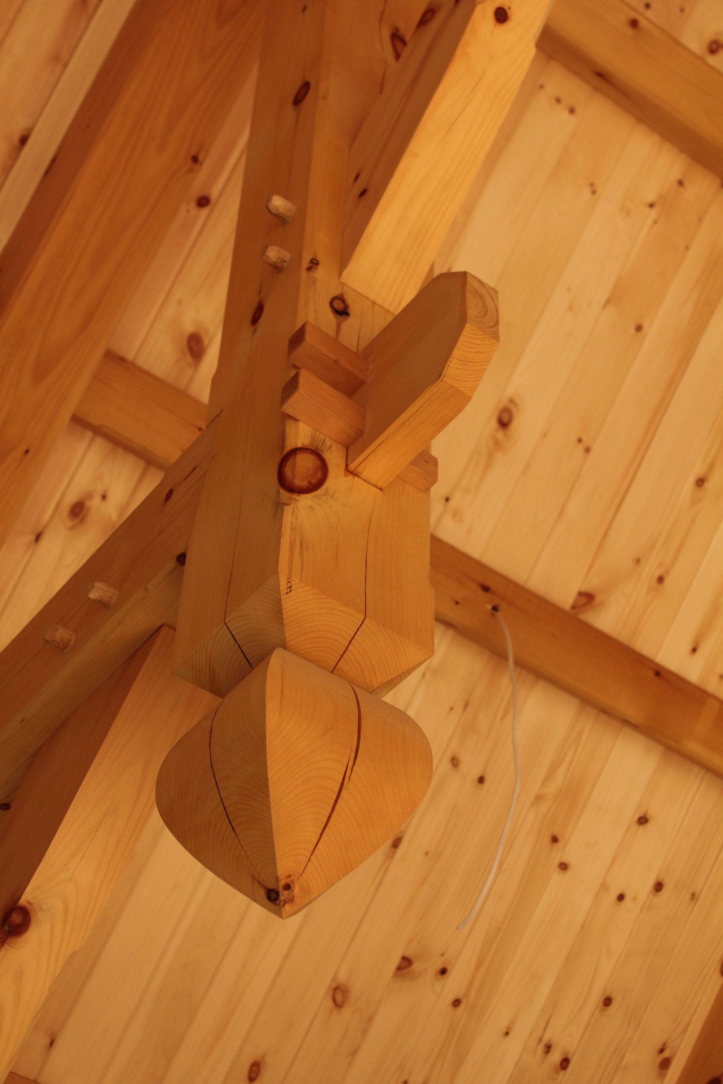 timber frame tulip and wedged tenon.JPG