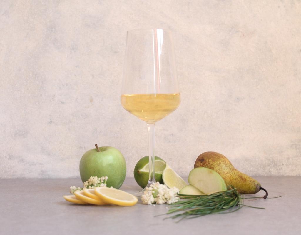 Key flavours: Apple, Lemon, Elderflower, Grass, Pear and Lime