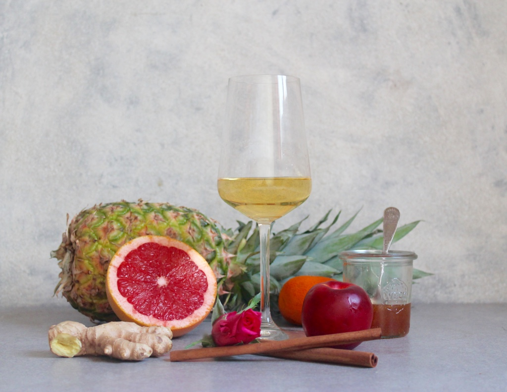 Key flavours: Grapefruit, Pineapple, Ginger, Cinnamon, Rose, Tangerine, Nectarine, Honey
